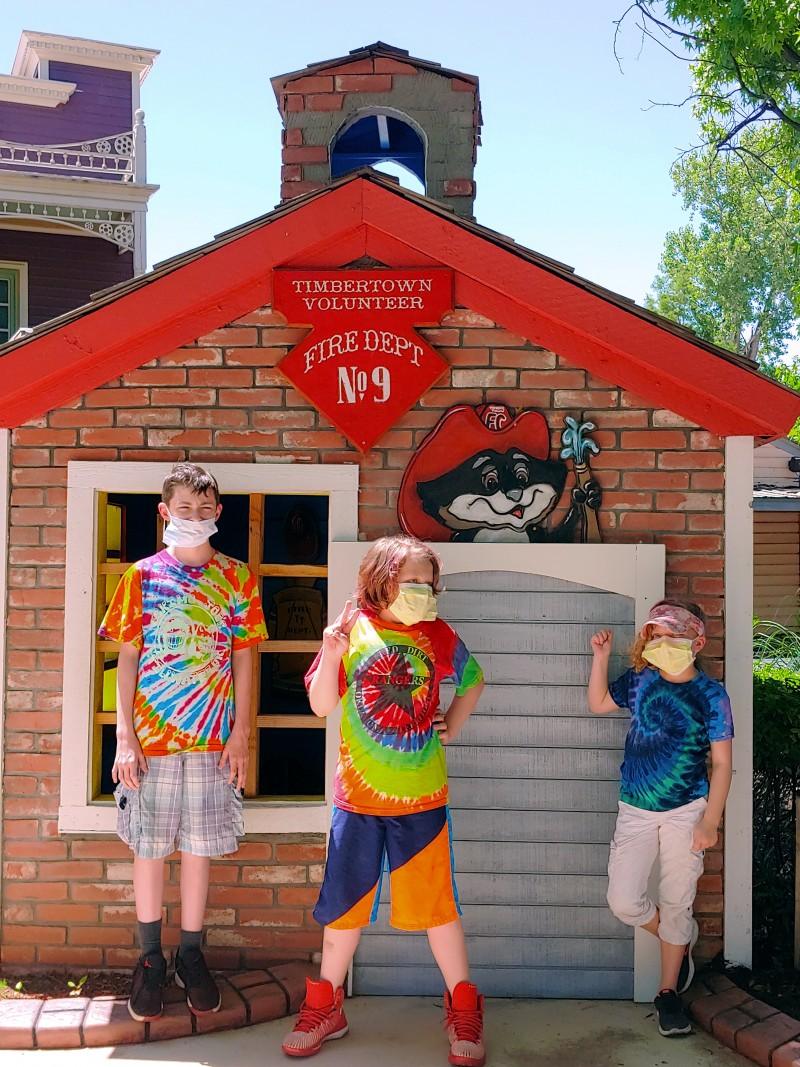 Frontier City Christmas Fun Day 2020 How to Go to Frontier City This Weekend   TulsaKids Magazine
